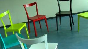 les chaises dans le jeu des 12 mois